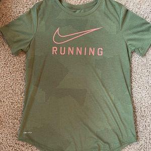 Nike dri fit short sleeve